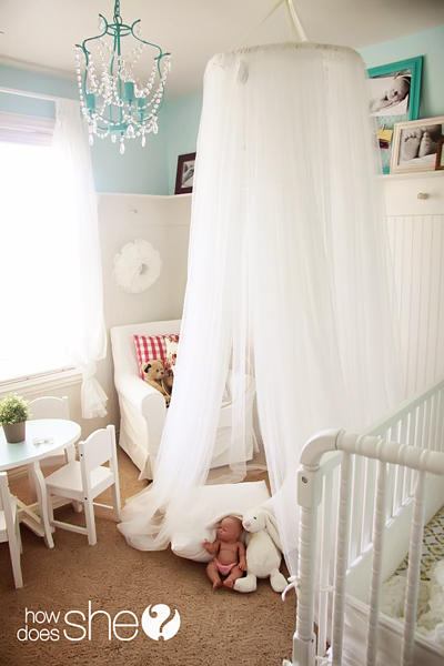 LOVE this diy bed canopy! What a fun addition to a playroom!