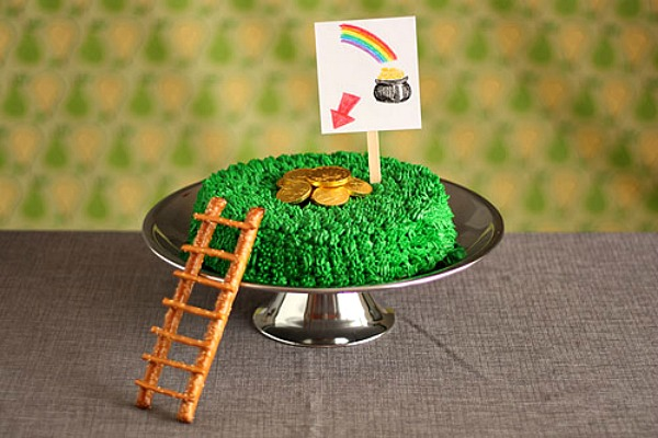 leprechaun trap cake
