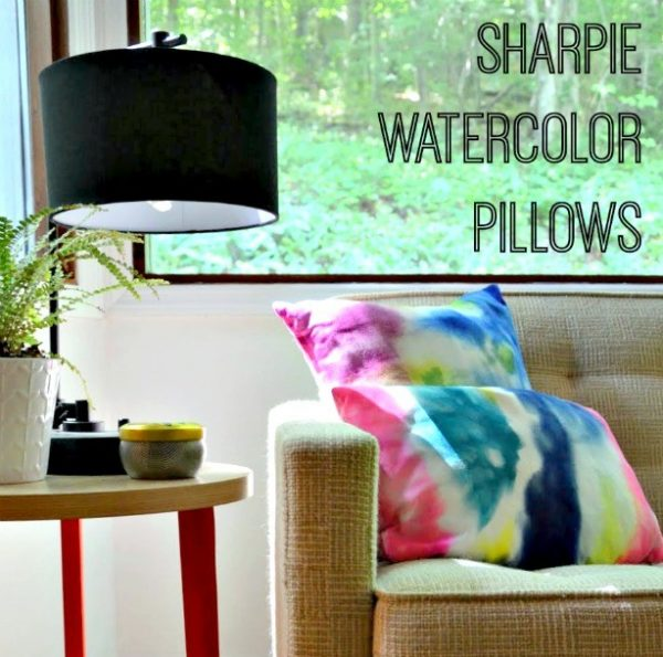 sharpie watercolor tie dye pillows with instructions