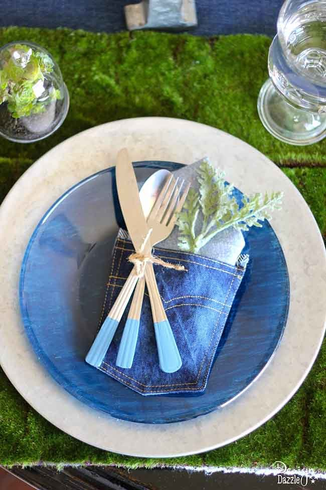 Make an awesome #denim #tablescape with this fun DIY on Design Dazzle!