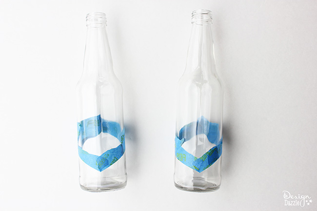Make color dipped bottles for your next party or picnic. Check it out on Design Dazzle!