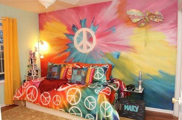 Incroyable Tie Dye Wall