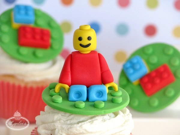 It takes a bit of skill, but if you could pull this off...what an amazing addition to a lego party!