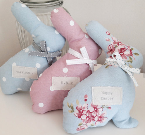 These are gorgeous handmade bunnies! Love this for an Easter gift for girls!