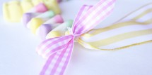 Make an Easter necklace out of candy! Super sweet craft or Easter gift. Design Dazzle