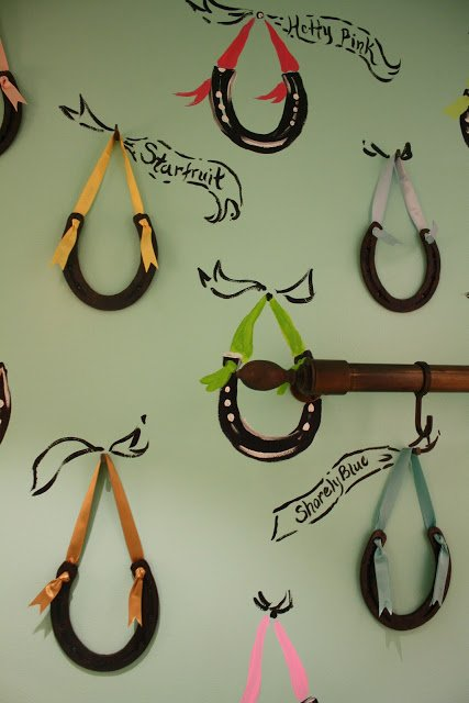 Horse Shoe Wall Decor   Easier Than A Mural With A Real WOW Factor!