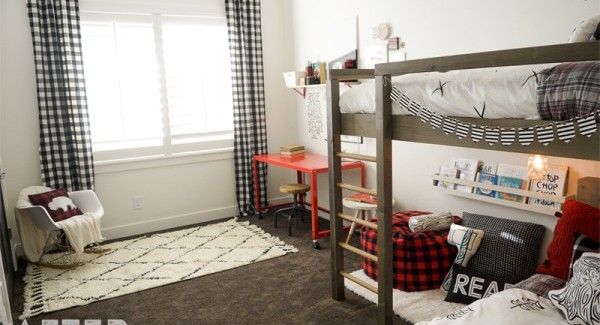 Rustic lumberjack room makeover for an awesome boys room idea