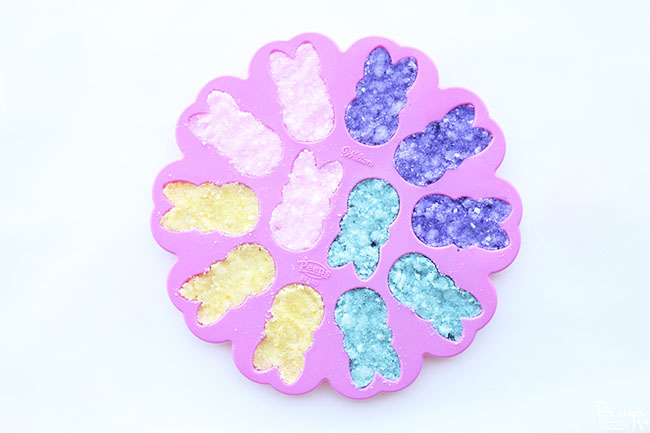 I love this Easter Peeps mold - perfect for a fun Easter gift! #sugarscrub #peeps