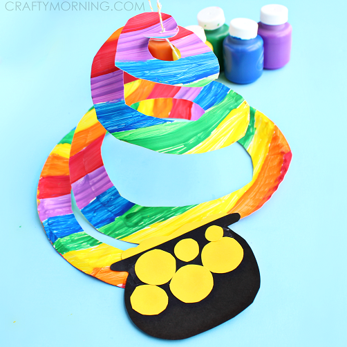 St. Patrick's Day Rainbow Craft for kids! Find the pot of gold a the end of the rainbow. Easy and so darling.