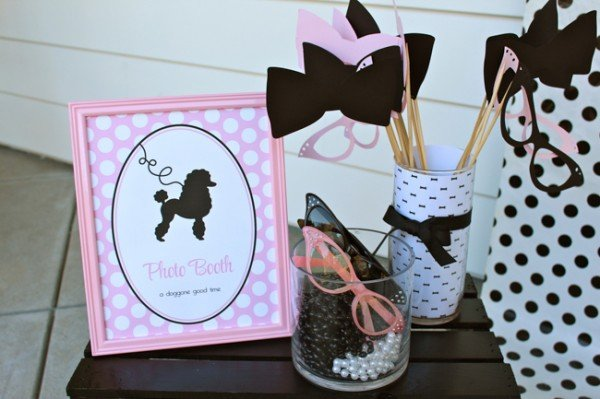 Love this 50's themed girls birthday party!