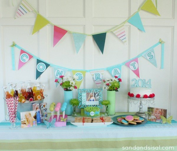 Love these gorgeous graduation party ideas!