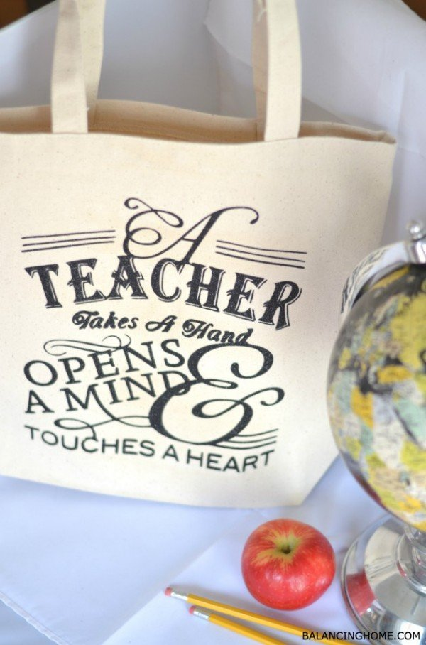 This DIY teacher appreciation gift is amazing! I want to make one for ME!