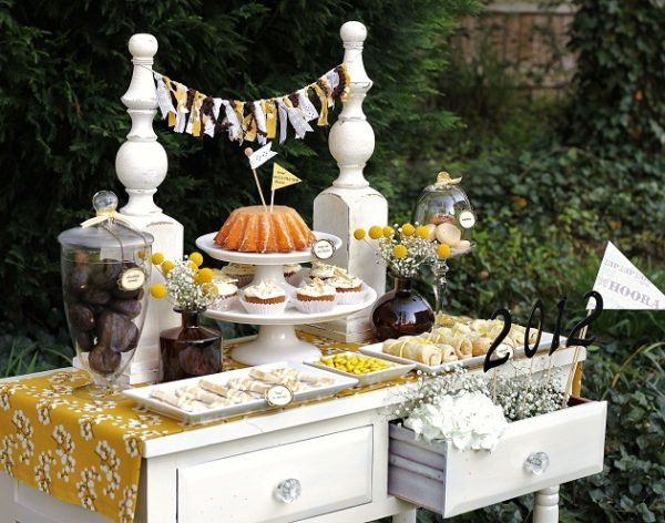 AH! I LOVE these graduation party ideas!