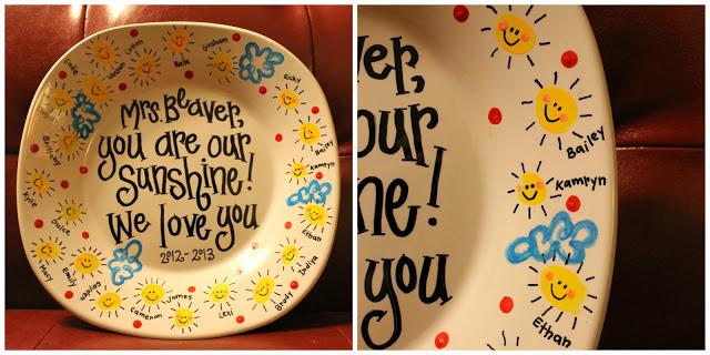 Ceramic plate with kids fingerprints for a cute teacher appreciation craft