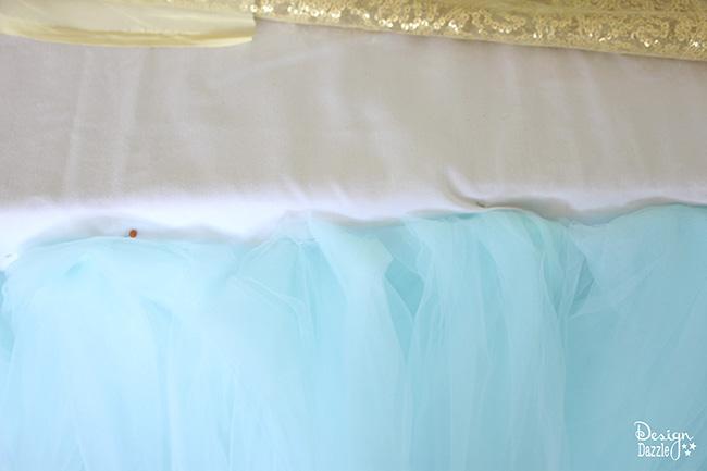 Create a super simple, super sweet tulle tablecloth on Design Dazzle!