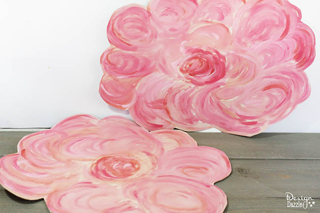Make sweet flower mats for your fairies to sit on! Design Dazzle shows you how.