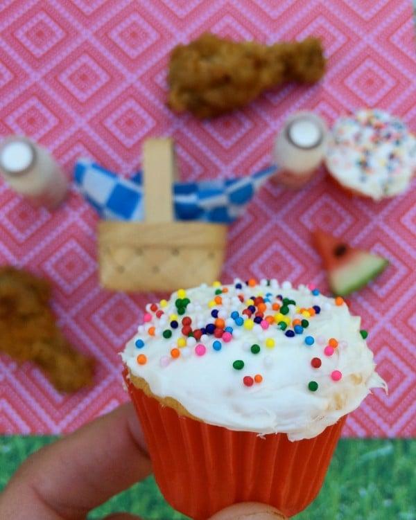 tiny picnic cupcake
