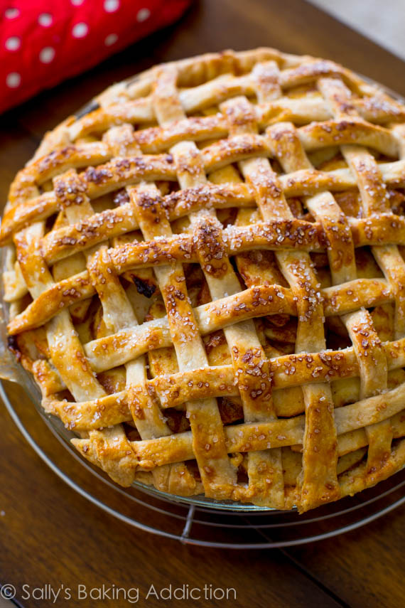 10 Fabulous Fall Treats featured on Design Dazzle. Salted Caramel Apple Pie that is beyond delicious!