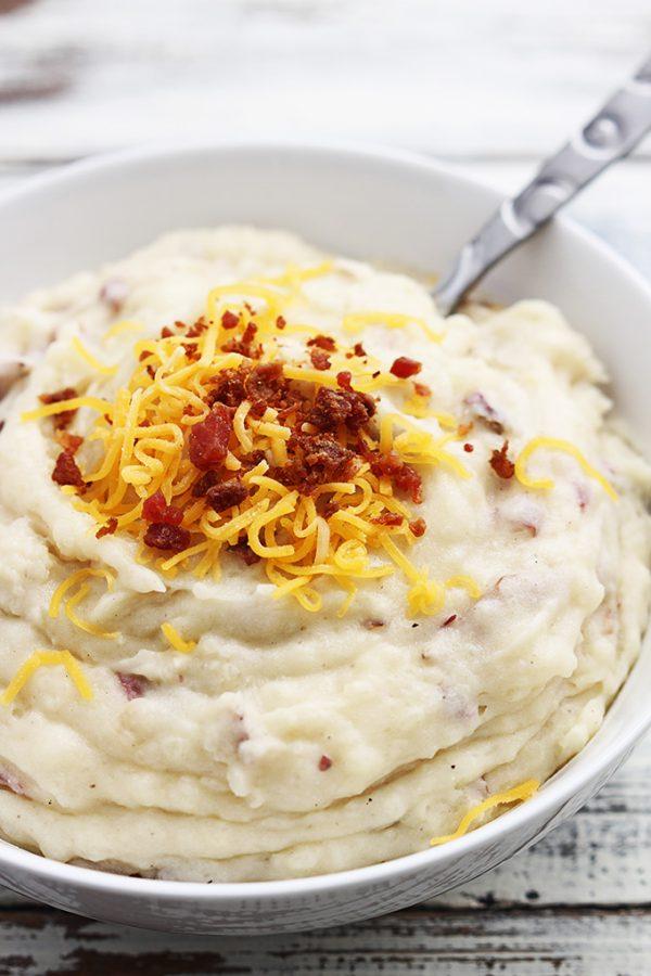 Slow Cooker Creamy Mashed Potatoes from Creme de la Crumb