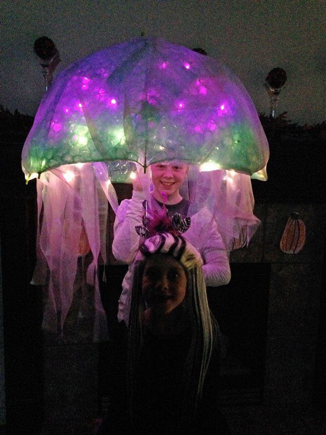 DIY Jellyfish Halloween Costume that is battery operated. Easy no-sew tutorial to create  sc 1 st  Design Dazzle & DIY Jellyfish Costume - Design Dazzle