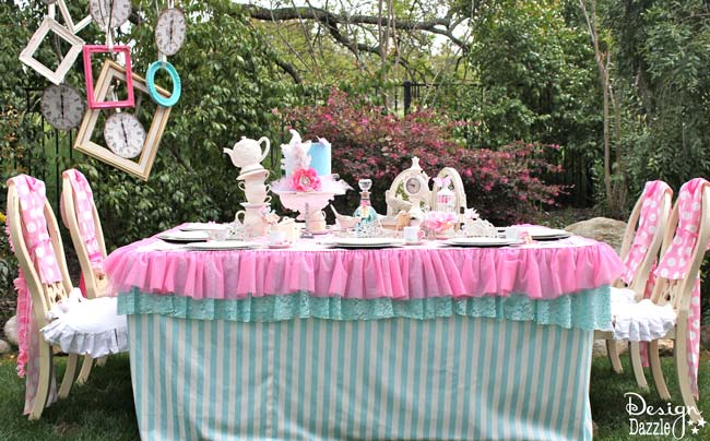 Vintage Glam Wonderland party with fun DIY tips and ideas. Party designed by Toni Roberts - Design Dazzle