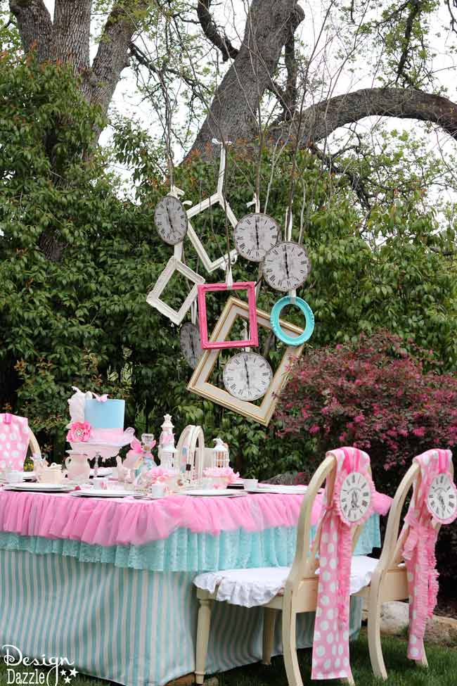 Vintage glam alice in wonderland party design dazzle for Alice in wonderland birthday decoration ideas