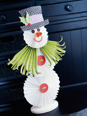 Folded paper Snowman Craft! Cute Christmas Snowman Craft for kids!