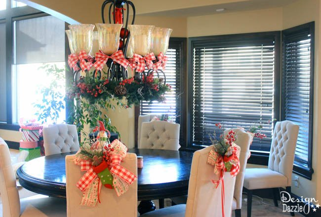 Design Dazzle shows you how to decorate your dining room for Christmas!