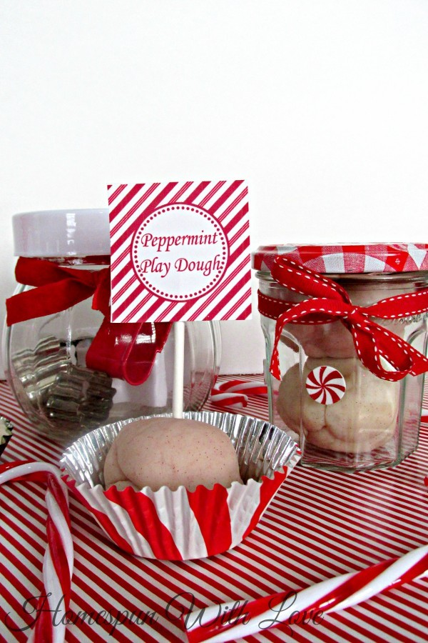 christmas ideas for kids - peppermint play dough