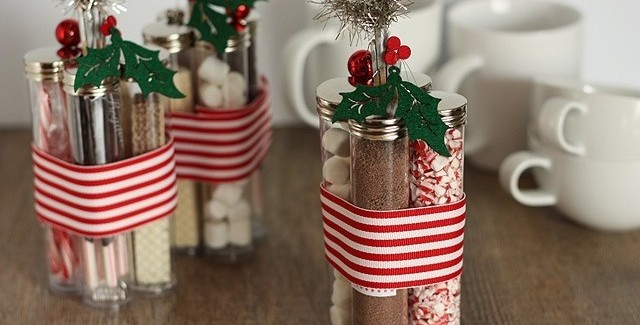 A festive homemade gift idea roundup on Design Dazzle!