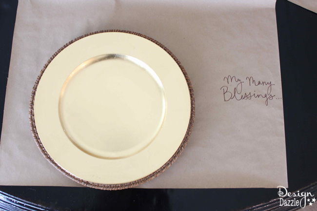 DIY simple, elegant Thanksgiving place setting you'll love by Design Dazzle!