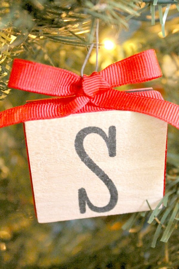Create an ornament from a wood block stamp