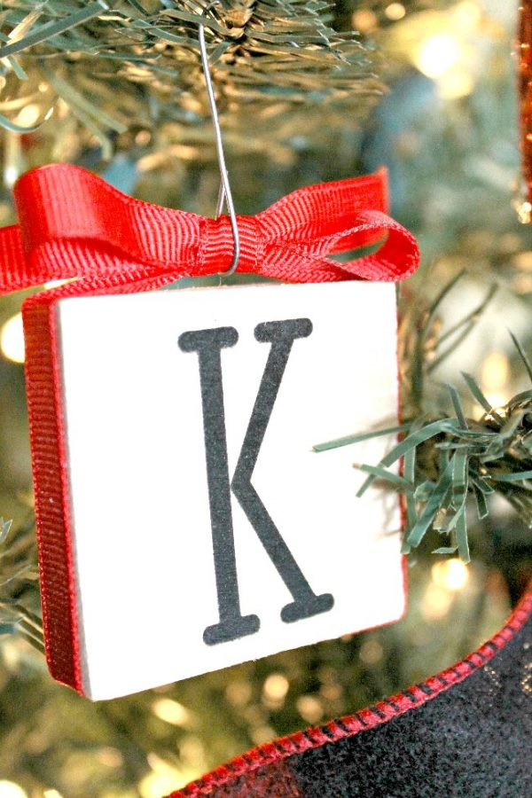 DIY Wood Block Rubber Stamp Ornament - make for for your Christmas tree decor!