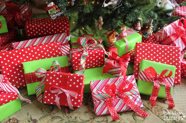 design dazzle christmas decor tip coordinate your christmas tree and gift wrap for a more