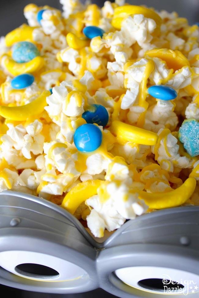 Design Dazzle has yummy 5 minute Minion Movie Snacks for you to enjoy for your #MinionMoveNight!
