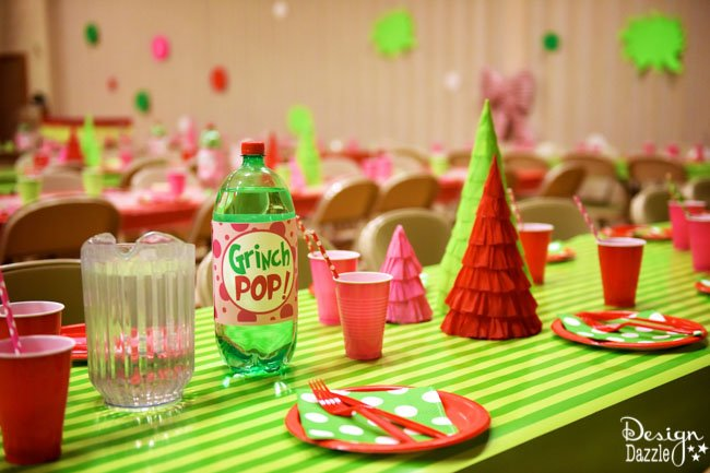 looking for cheap easy diy decor for a grinch partywe are sharing