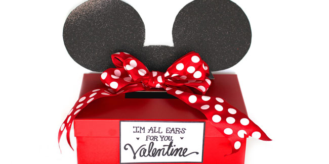 mickey and minnie mouse valentine card box   free