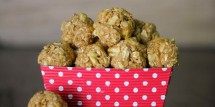 Peanut Butter Oatmeal Energy Balls-3