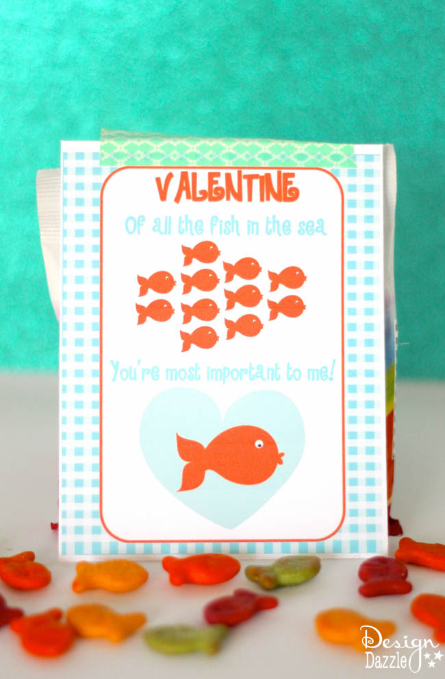 Valentine, of all the fish in the sea - You're The One For Me! Free Valentine printable to attach to goldfish crackers. Design Dazzle