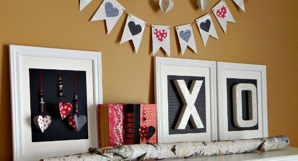 Black-and-White-and-Red-Valentine-Mantel-Decor-with-Book-Page-Art-AnExtraordinaryDay.net_