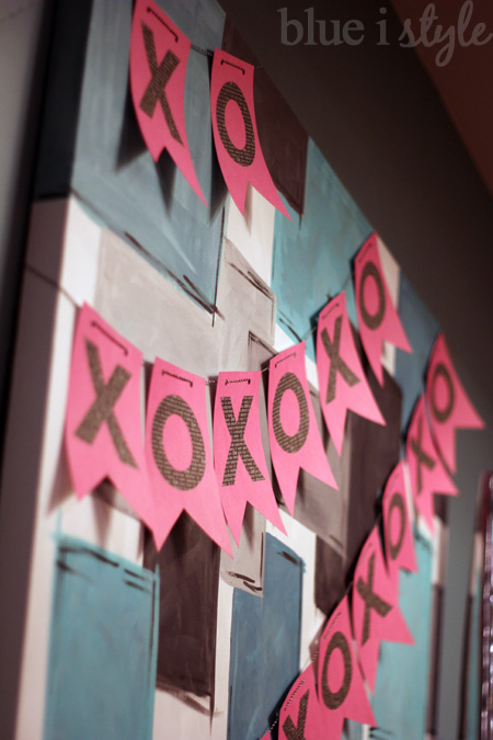 XOXO Banner that is super easy to make and will be such a sweet addition to your Valentine's Day decor!