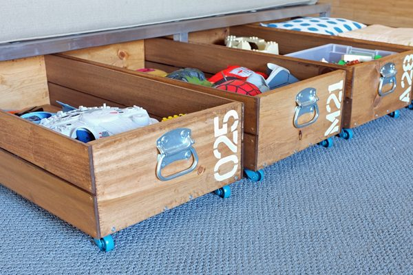 Merveilleux DIY Rolling Crates For Underbed Storage!