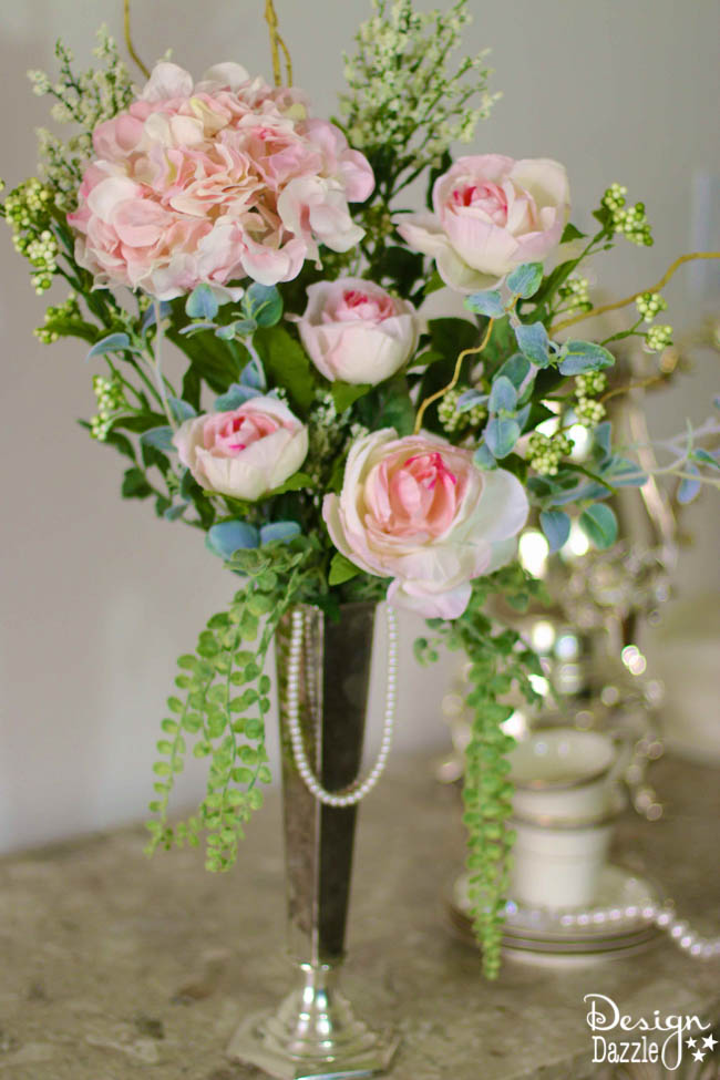 Simple and easy floral arrangement for a Downton Abbey inspired party. Design Dazzle