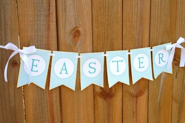 Free Easter & Spring Printables: Baby Blue Easter Banner