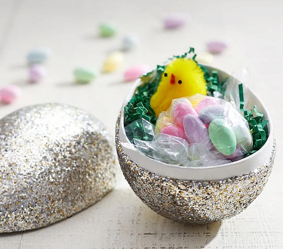 German Style Glittered Easter Eggs! 20+ Creative Ways to Paint Easter Eggs on decigndazzle.com!