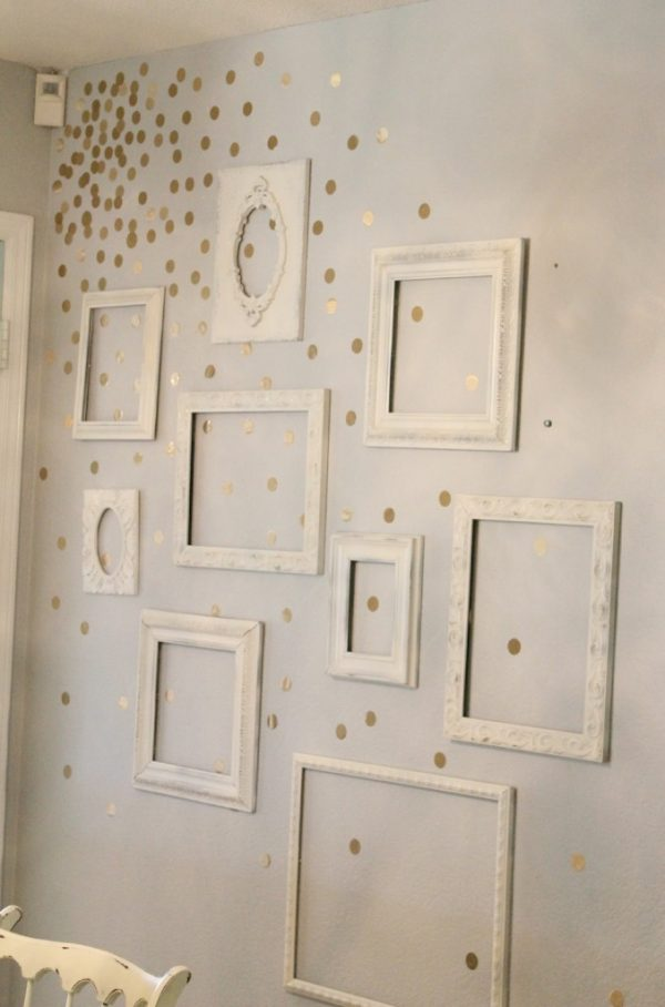 Gorgeous flowing gold polka dots for a kids bedroom! I love this idea for polka dots on a wall!