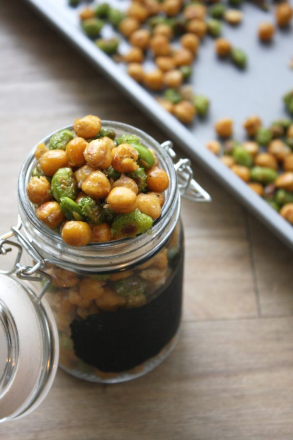 Healthy Snacks: Crispy Chickpea and Edamame oven backed snacks. Healthy snack for the afternoon slump!