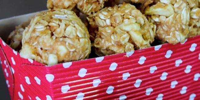 Peanut-Butter-Oatmeal-Energy-Balls-5