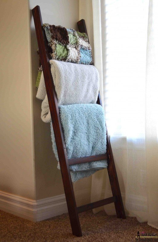 Blanket Ladder for Guest Room! Genius Guest Room Ideas!