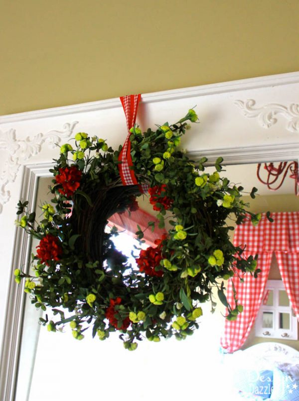 Wreath Accesory in Shabby Chic Guest Room